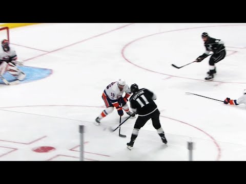 Video: Kopitar sets up Doughty for short-handed goal