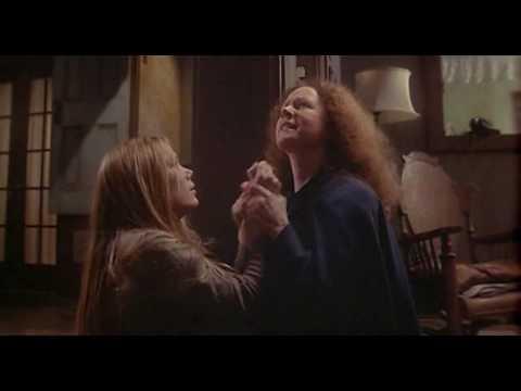 Carrie, a Estranha (Carrie, 1976) † Trailer