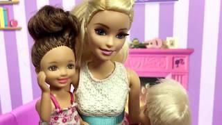 Video Barbie ve Ailesi Bölüm 111 - Can'a Elektrik Çarptı! - Çizgi film tadında Barbie oyunları MP3, 3GP, MP4, WEBM, AVI, FLV Desember 2017