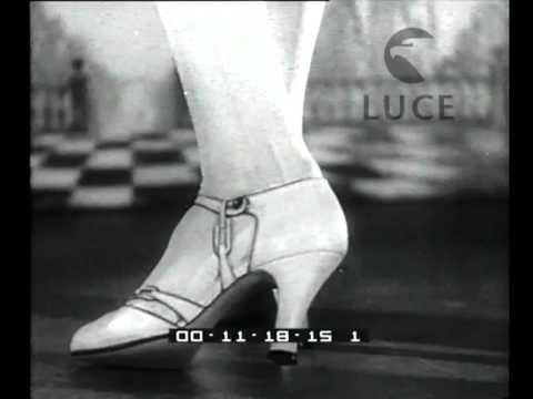 Moda femminile. Una mostra di eleganti calzature