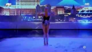 Nieziemski występ seksownej laski w rumuńskim Mam Talent!