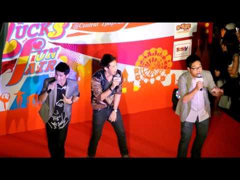 คนไหนโสด แกงส้ม โดม แคน @Central Ladprao 21072012 (видео)