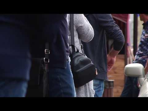 Ոստիկանները Մաշտոցի պողոտայից գրպանահատի են բերման ենթարկել - DomaVideo.Ru