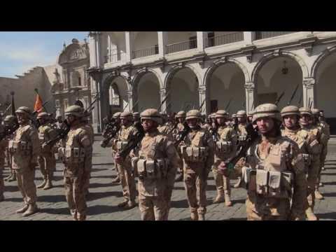 Arequipa rinde homenaje a las Fuerzas Armadas