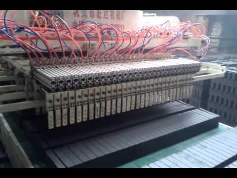 Fully automatic brick setting machine