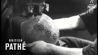 Co zrobili Niemcy z nadmiarem hełmów po wojnie?