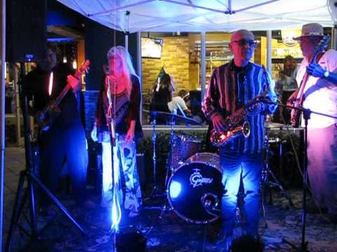 Steve Arvey With Rebecca Bird @ Smoke Inn Cigar Box Guitar Event Boynton Beach Fl March 2017