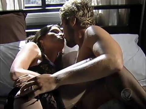 Norberto e Fabiana curtem momento quente:  Fabiana chega ao esconderijo e os dois se agarram. Enquanto isso, Arnaud aparece e assiste a tudo morto de ciúme.