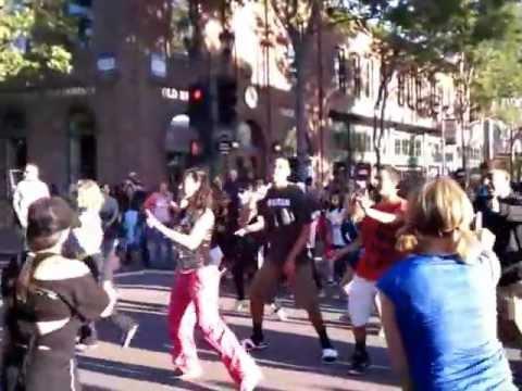 ClubSport Zumba Flash Mob 2012.3gp