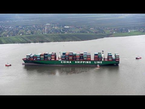 Γερμανία: Πλοίο «γίγαντας» παγιδεύτηκε στον Έλβα