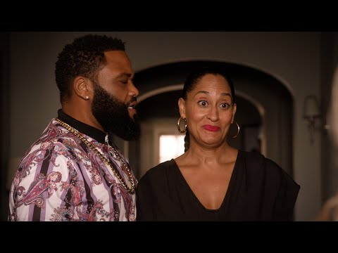 Bow Wants Community, Dre Wants War - black-ish