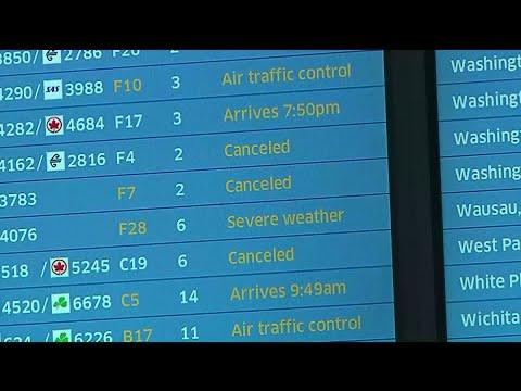 Over 1,000 flights canceled, hundreds delayed after heavy snow hits Chicago