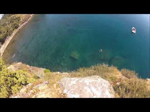 Saltos en Lago Calafquen. Por Pablo Vergara (7,3)