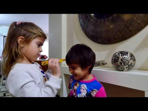Семья Орешкиных: едем в Детский сад. Видео для детей (видео)