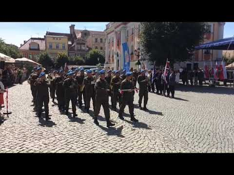 Wideo1: Przysięga żołnierzy 12. Wielkopolskiej Brygady Obrony Terytorialnej na leszczyńskim Rynku