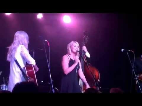 Miranda Lambert on Stage with Ashley Monroe