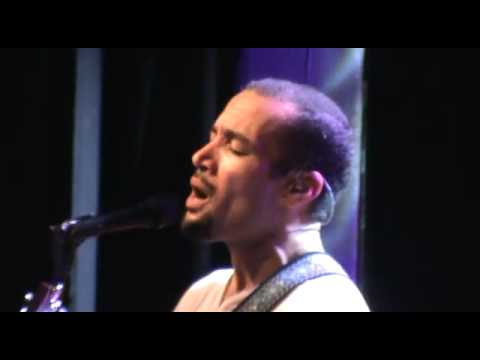Ben Harper singing Diamonds on the inside