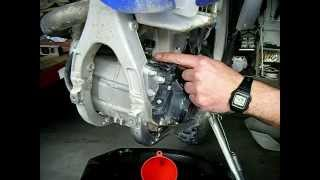 8. How to do a fast oil change Yamaha WR450F 5QJ8H