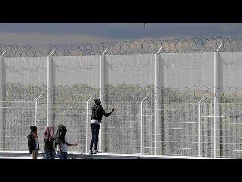 Βρετανία: Μέτρα για την απώθηση μεταναστών εξήγγειλε ο Κάμερον