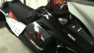 4. 2005 SKI DOO MXZ 600 SDI WALK AROUND