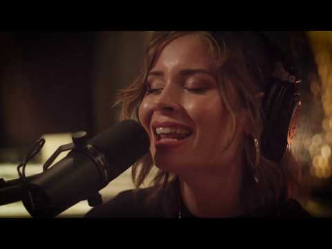 Nina Nesbitt - Loyal To Me (Acoustic) - In The Studio