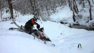 5. 2011 Arctic Cat M8 162 river