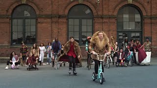 MACKLEMORE&RYAN LEWIS - THRIFT SHOP FEAT. WANZ (OFFICIAL VIDEO)