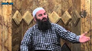 196. Pas Namazit të Sabahut - Madhërimi i shejtërive të muslimanëve - Hadithi 226
