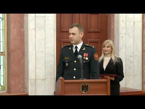 Igor Dodon a conferit înalte distincții de stat și Diploma de Onoare unui grup de militari