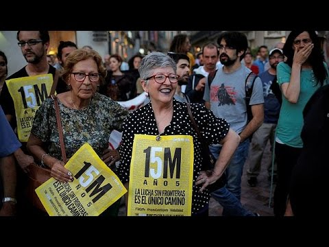 Ισπανία: Υπό τους ήχους του Μίκη Θεοδωράκη η 5η επέτειος των Αγανακτισμένων