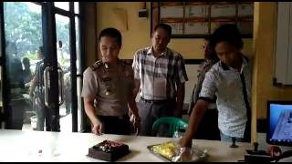 11 Jul 2017 ... Berita Terbaru 1 Juli 2017 - 'HEBOH' Relawan Rayakan Ultah Jokowi-Ahok di nKalijodo Bersama - Duration: 10:30. Indonesian News Latest 24...