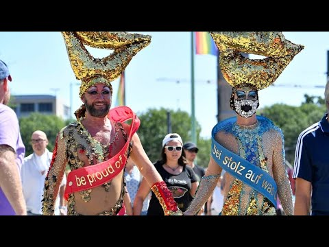 """Große Party in Köln: """"Cologne Pride"""" - schrill, schrill ..."""