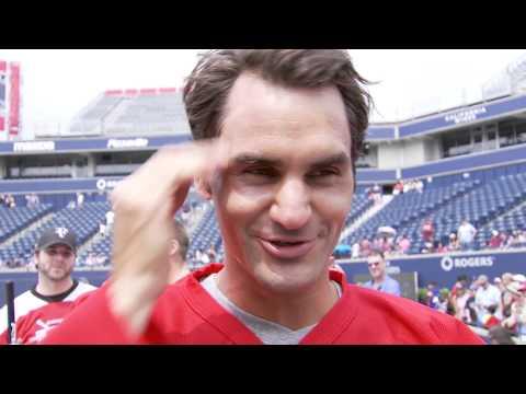 Vidéo : Roger Federer joue au Hockey