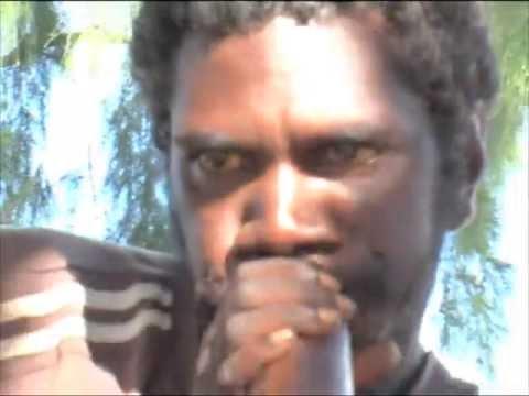 Quincey Matjaki Wunungmurra plays 2 songs on yidaki