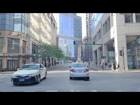 Driving Downtown 4K - Chicago's Trump Tower - USA