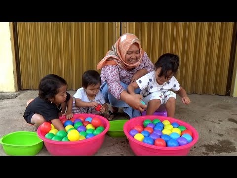 WOW..! SURPRISE EGGS Dalam Air & Colorfull Balls , Challenge Menangkap Ikan