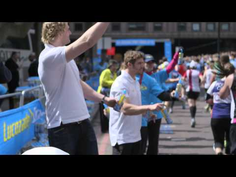 Alex Oxlade-Chamberlain, Richie Gray, And Leigh Halfpenny Enjoy The London Marathon With Lucozade Sport