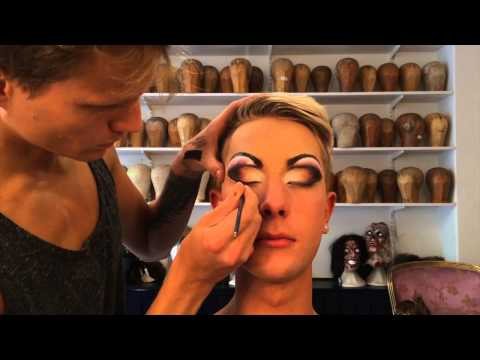 dragqueen - We decided to give you a quick video on how to do classic drag eyes; with a cut crease. Nicklas does not normally work as a drag queen, however he was keen o...