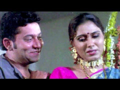 Uday Tikekar & Bharti Patil Romance | Karmyog Marathi Movie | Romantic Scene 10/18
