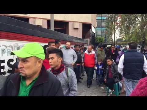 Colas para gestionar el Pasaporte en Migración