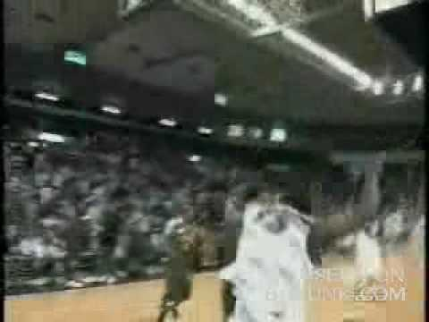 「一人アリウープってwしかも、試合中にこの神業。。」のイメージ