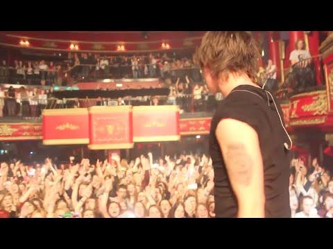 Tekst piosenki Room 94 - Keep Your Hands Off My Chick po polsku