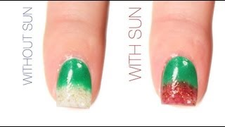 Christmas Color-Changing Nail Art Design