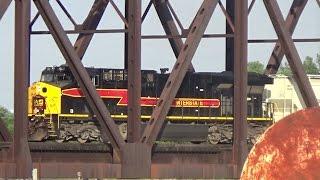 Peoria (IL) United States  city images : Iowa Interstate Railroad Crossing the Illinois River in Peoria, IL
