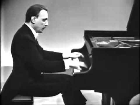 Chopin - Berceuse (Michelangeli)