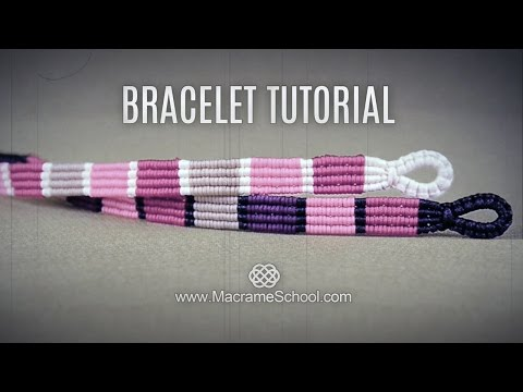 braccialetto a righe eseguito in macramè