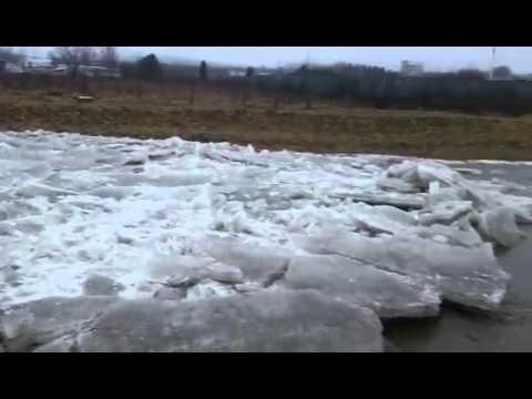 Ľadochod v rieke Hornád, ktorý vám vyrazí dych