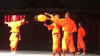 Shaolin Temple 少林寺 monks performance