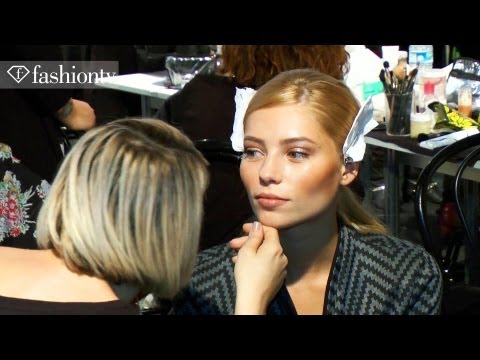 Models Backstage - http://www.FTV.com/videos MILAN - The Blumarine backstage excitement is sizziling with blonde and brunette models stirring in anticipation for the Blumarine ...