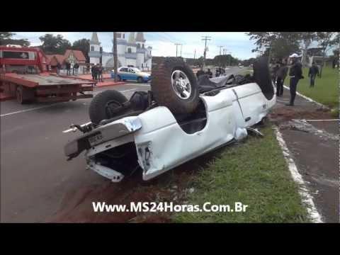 Como destombar uma Dodge-Ram capotada no meio da Av. Afonso Pena